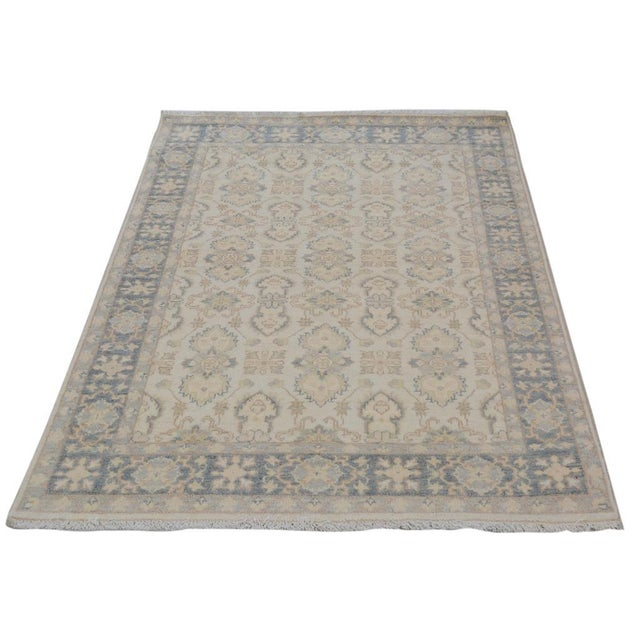 "Kafkaz Peshawar Robby Ivory/Gray Wool Rug - 4'0"" X 5'8"" A9490 For Sale In New York - Image 6 of 7"