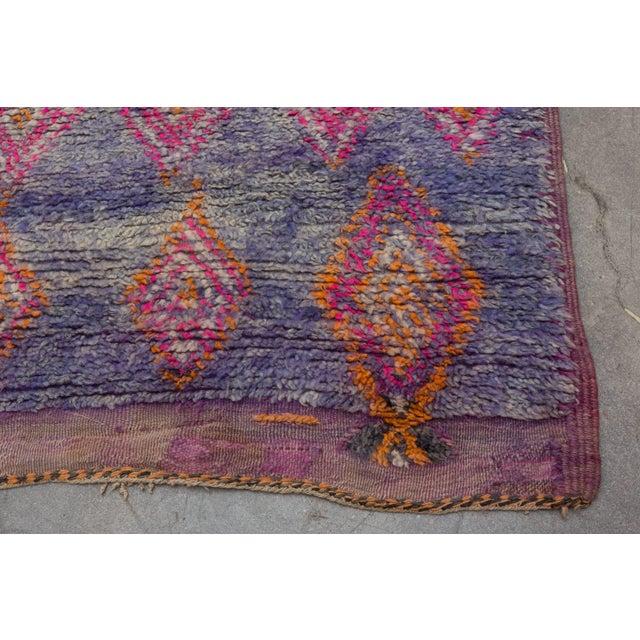 1980s Vintage Moroccan Beni M'Guild Rug - 6′ × 10′9″ For Sale - Image 5 of 10