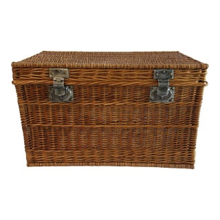 Vintage C.1930s French Willow Wicker Basket Chest For Sale