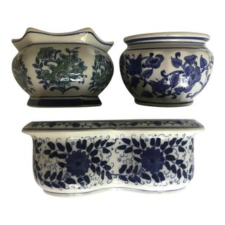 Vintage Blue & White Cache Pots - Set of 3 For Sale