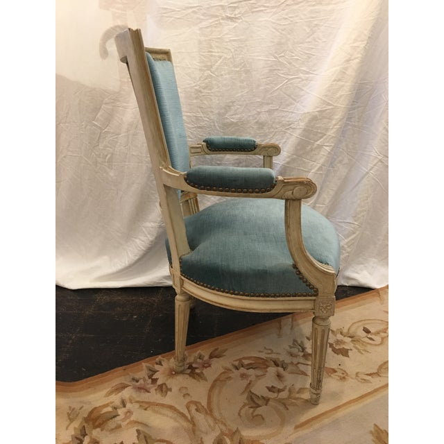 1900s Louis XVI Styled Painted Armchairs in Blue Velvet - a Pair For Sale - Image 5 of 10
