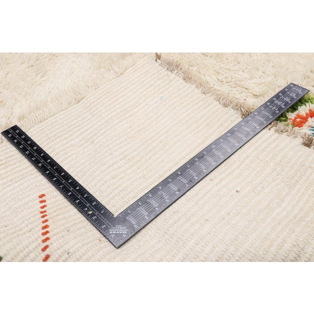 Early 21st Century Contemporary Berber Moroccan Azilal Rug - 06'08 X 08'00 For Sale - Image 5 of 10