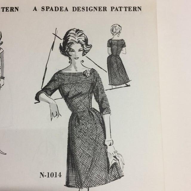 "White Spadea ""Dinah Shore's Wonder Wardrobe"" Vintage Dress Pattern For Sale - Image 8 of 9"