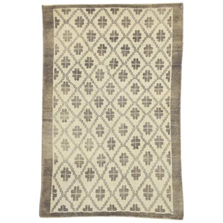 20th Century Rustic French Country Turkish Oushak Rug - 4′8″ × 7′1″ For Sale