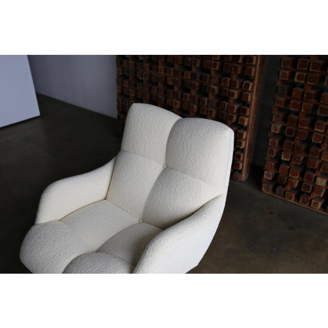 Vladimir Kagan Lucite and Bouclé Swivel Lounge Chair Circa 1970 For Sale - Image 10 of 13