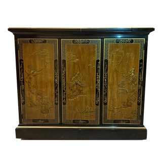 1970s Drexel Heritage Chinoiserie Black Lacquer Oriental Dry Bar For Sale