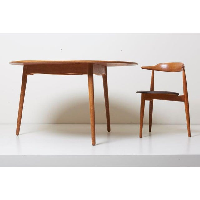 Dining Set With a Table and Six Heart Chairs by Hans Wegner for Fritz Hansen For Sale - Image 10 of 13