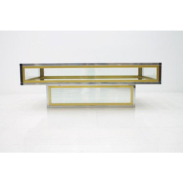 1970s Vitrine Coffee Table in Chrome, Brass and Glass, France 1970s For Sale - Image 5 of 13