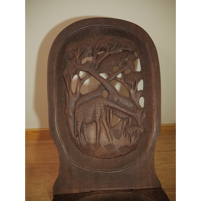 20th Century African Bantu Tribe Carved Two-Board Tribal Chief Chairs - a Pair For Sale In Richmond - Image 6 of 8