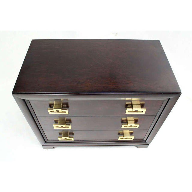 Kittinger Modern Heavy Solid Bachelor Chest with Brass Pulls For Sale In New York - Image 6 of 7