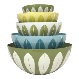 Cathrineholm Scandinavian Modern Enamel Nesting Bowls - Set of 5 For Sale