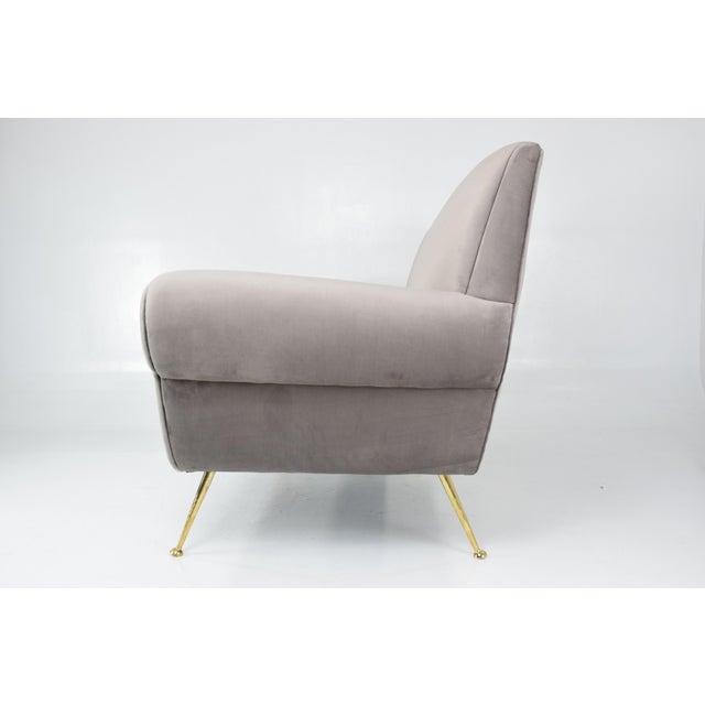 Italian Mid-Century Modern Velvet Sofa by Gigi Radice for Minotti, 1950s For Sale - Image 9 of 13