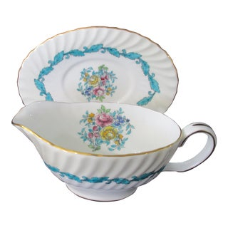 Minton Bone China Ardmore Pattern Gravy or Sauce Boat With Under Plate - Set of 2 For Sale