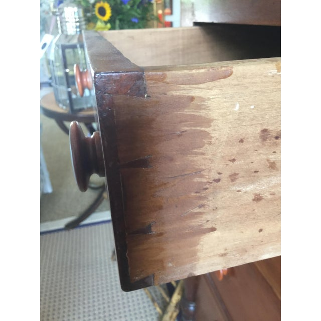 Antique Federal Style Chest of Drawers in Cherry For Sale - Image 5 of 8