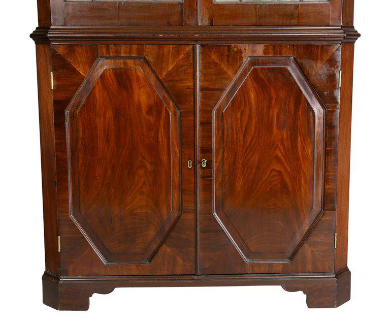 George III Mahogany Corner Cabinet For Sale   Image 4 Of 8