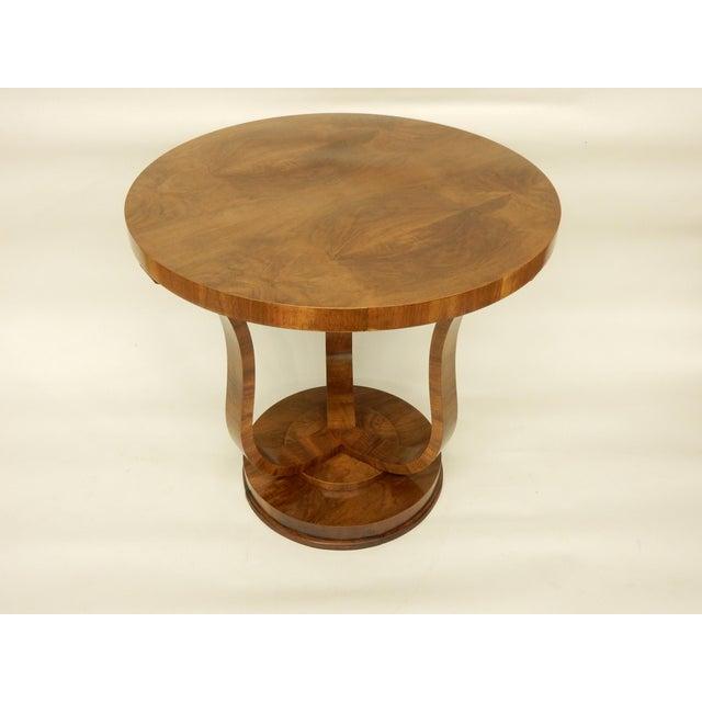 1930s Elegant Tulip Shaped Art Deco Walnut Table For Sale - Image 5 of 7