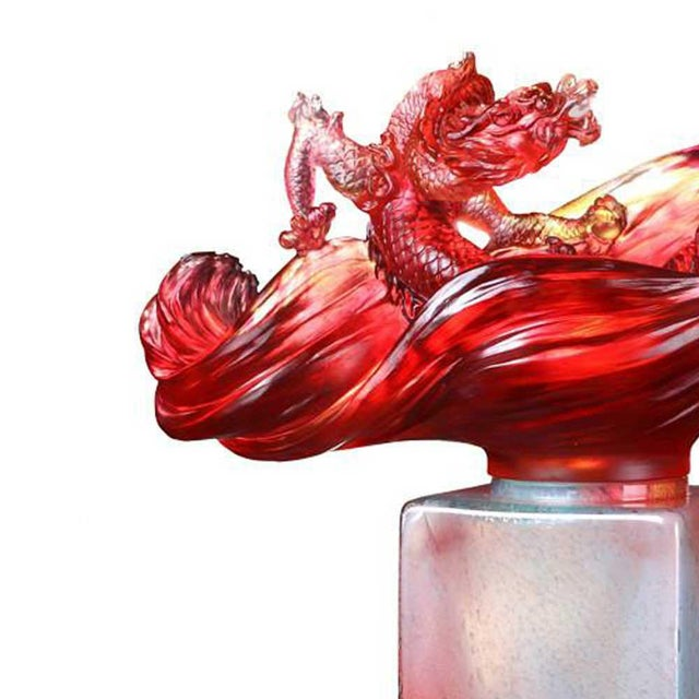 Contemporary Liuli Crystal Art Crystal Dragon Treasure Vase With Hand-Applied Gold Leaf (Limited Edition) For Sale - Image 3 of 7