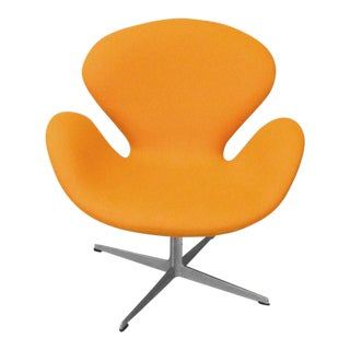 Nicely Restored Early Arne Jacobsen Fritz Hansen Orange Swan Chair