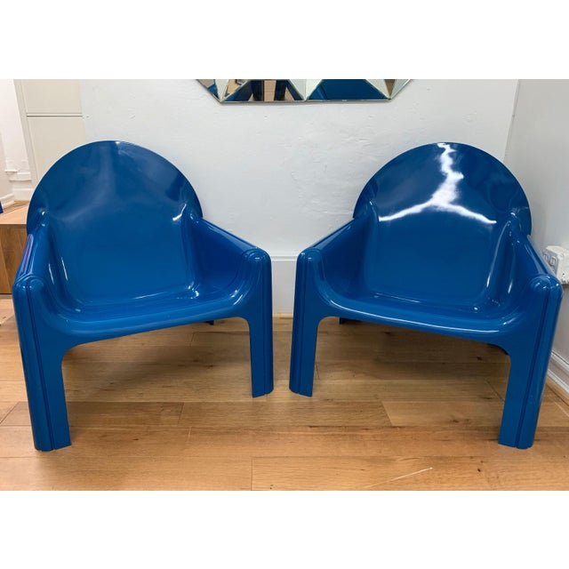 Modern 1970s Vintage Gae Aulenti for Kartell Italian Lounge Chairs- A Pair For Sale - Image 3 of 13
