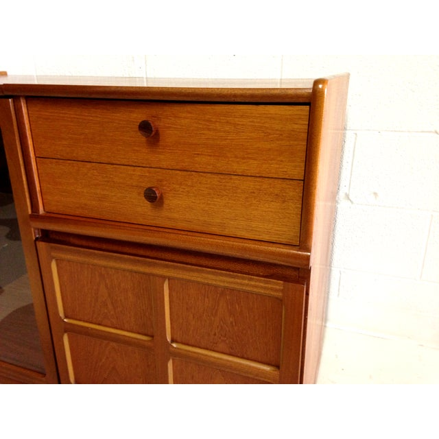 Nathan Glass Fronted Teak Cabinet With Shelves - Image 5 of 7