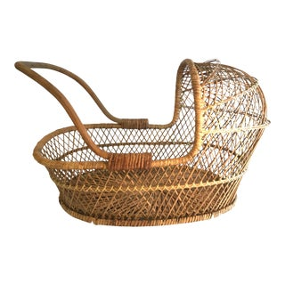 20th Century Rustic Wicker Bassinette For Sale