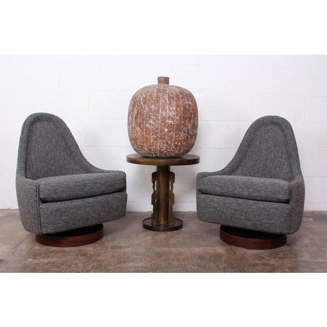 Pair of Petite Rocking Swivel Chairs by Milo Baughman For Sale In Dallas - Image 6 of 13
