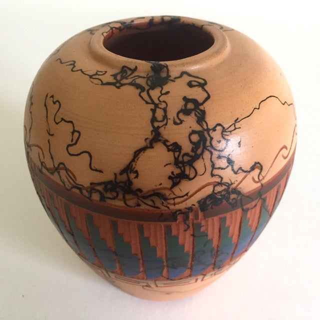 Various Artists Vintage Navajo Native American Signed Horse Hair Etched Hand Painted Pottery Vase For Sale - Image 4 of 8