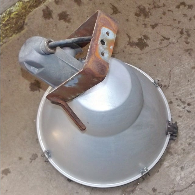 Industrial Wall Mounted Flood Light - Image 4 of 6