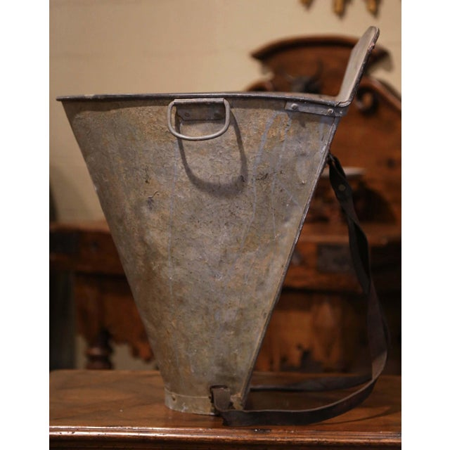 19th Century French Hand Painted Tole Grape Basket From Bordeaux For Sale - Image 9 of 11