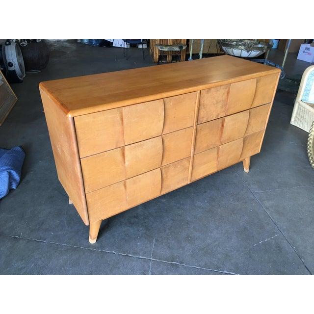"Heywood-Wakefield Heywood-Wakefield ""Sculptura"" Extra-Wide 6-Drawer Dresser For Sale - Image 4 of 10"