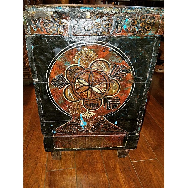 18c Scandinavian Hand Painted Pine Chest For Sale In Dallas - Image 6 of 11