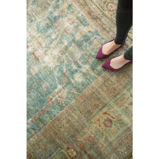 "Blue Antique Mahal Square Carpet - 9'10"" x 10'9"" For Sale - Image 8 of 10"