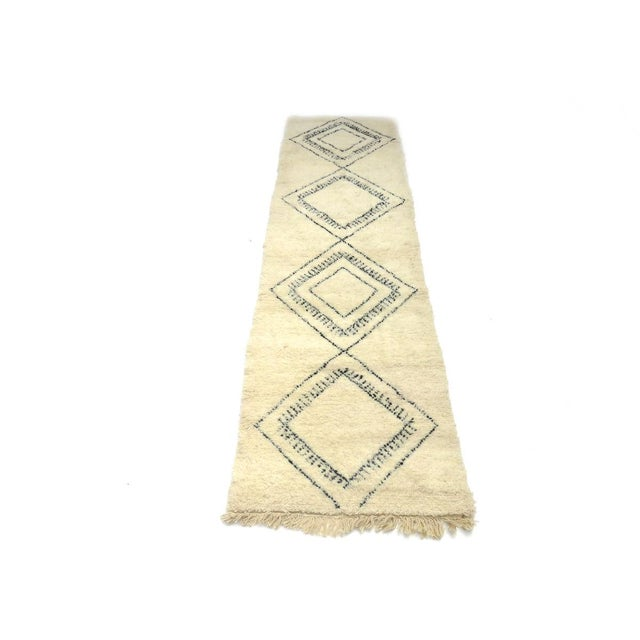 2000 - 2009 Moroccan Beni Ourain Runner Rug - 2′9″ × 10′7″ For Sale - Image 5 of 9