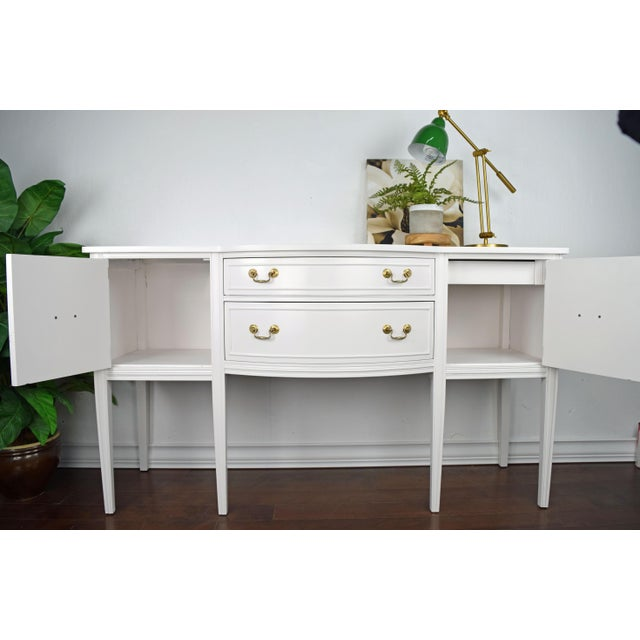 White 19th Century Traditional Henredon George III Style Mahogany White Sideboard For Sale - Image 8 of 11