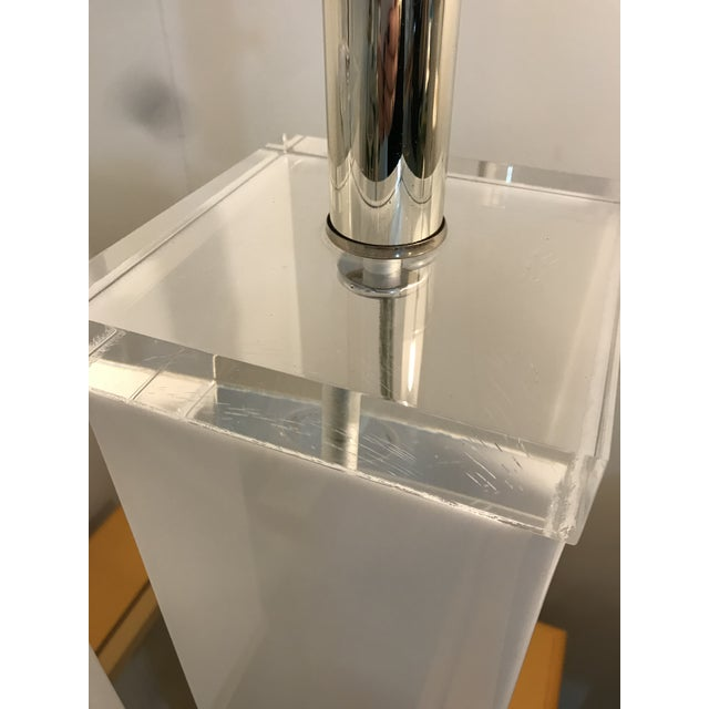 Chrome Mid Century White Lucite Column Lamps - A Pair For Sale - Image 7 of 10