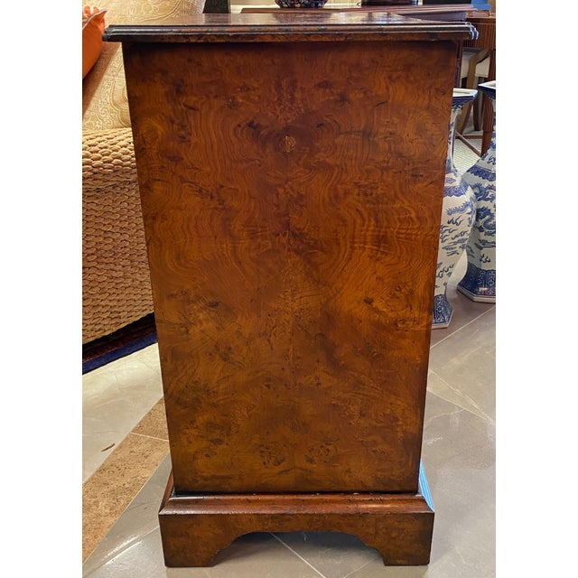 Queen Anne Burl Veneered All Sides 4-Drawer Chest For Sale - Image 3 of 11