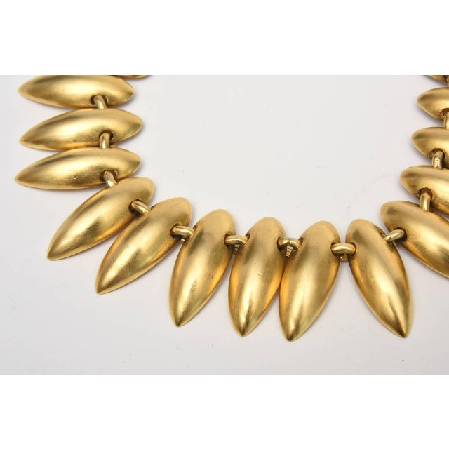 Robert Lee Morris Sculptural Gold Plated Necklace & Pair of Clip on Dangle Earrings For Sale - Image 4 of 10