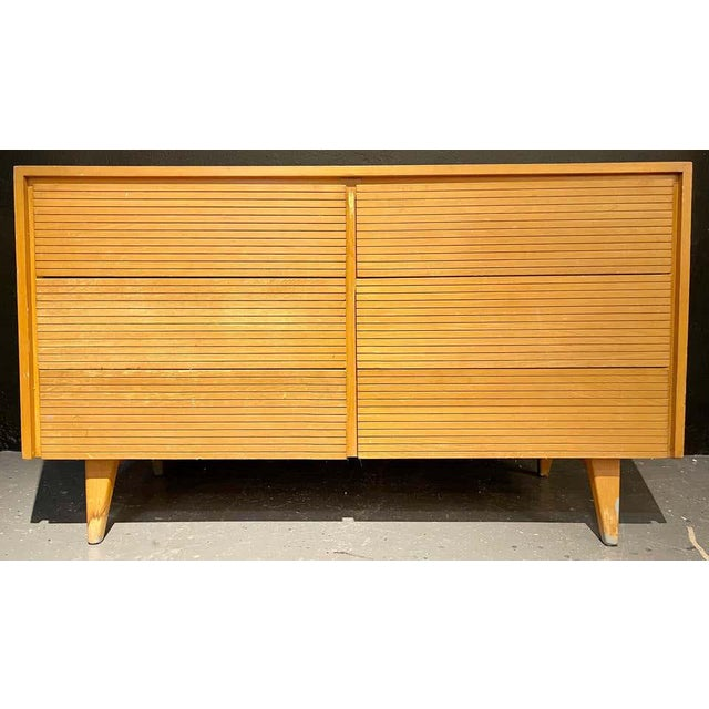 Six-Drawer Mid-Century Modern Commodes, Chests or Dresser - a Pair For Sale In New York - Image 6 of 13