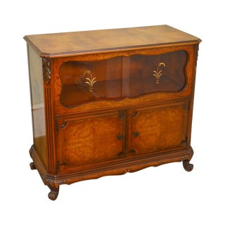 French Louis XV Style 1930s Burl Wood Server Cabinet With Etched Glass Doors by Saginaw