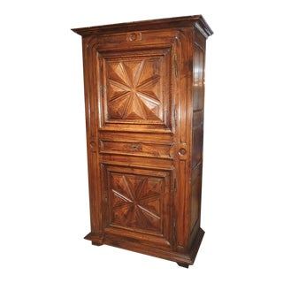 17th Century Walnut Wood Homme Debout Cabinet From France For Sale