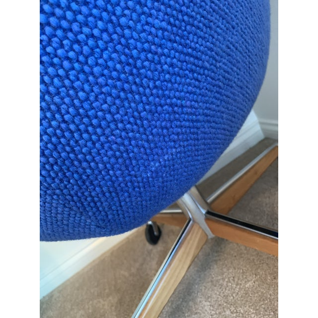 Metal 1970's Steelcase Mid-Century Blue Swivel Barrel Chair For Sale - Image 7 of 12