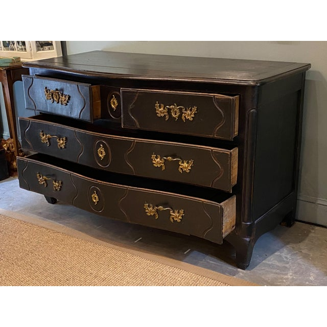 19th Century French Louis XV Commode For Sale - Image 4 of 10