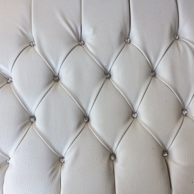 White Leather Tufted Ottoman With Floral Carvings - Image 6 of 7