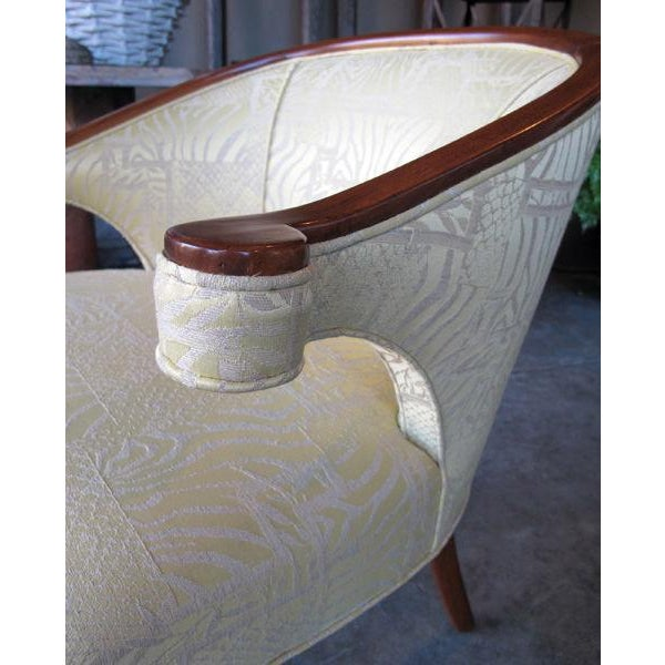A Shapely Pair of English Regency-Inspired Mahogany Salon Chairs For Sale - Image 4 of 6