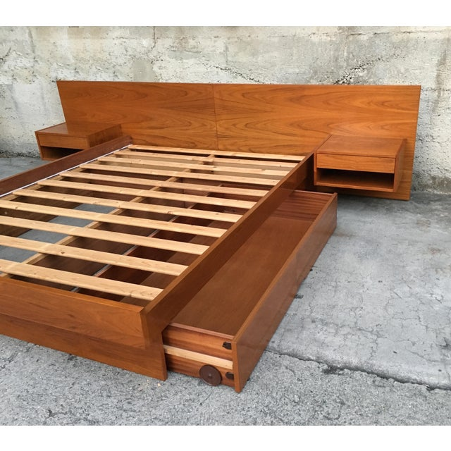 Mid Century Modern Danish Floating Night Stand Queen Platform Bed For Sale In Los Angeles