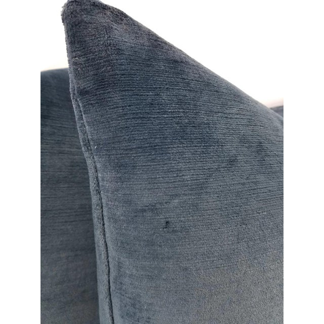 "Not Yet Made - Made To Order Schumacher Antique Navy Linen Velvet Pillow Cover - 20"" X 20"" For Sale - Image 5 of 5"