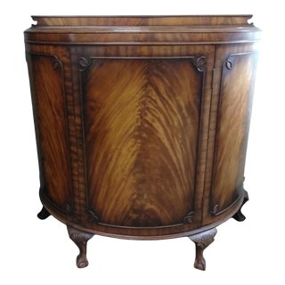 20th Century Traditional Flamed Mahogany Demilune Cabinet For Sale