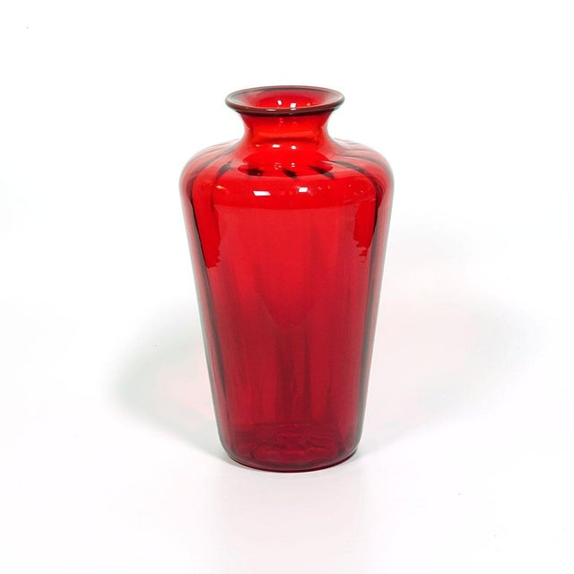 2000 - 2009 Venini Murano Italy Red Optical Ribbed Classic Vase For Sale - Image 5 of 5