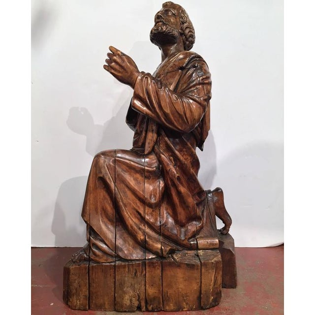18th Century French Carved Walnut Statue of Saint Peter Kneeling For Sale - Image 4 of 10
