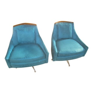 Mid Century Modern Kroehler Lounge Chairs- A Pair For Sale